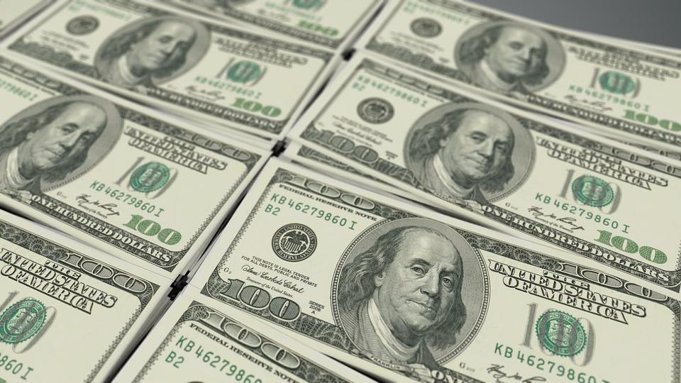 Dólar detuvo su paso a la alza