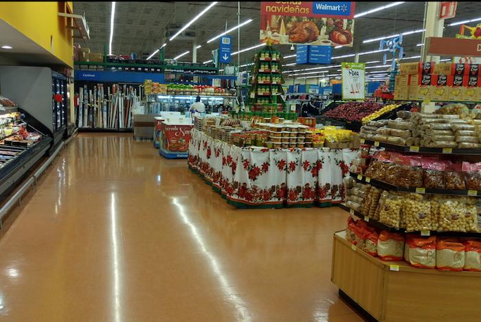 Walmart registra menor ritmo de crecimiento en abril